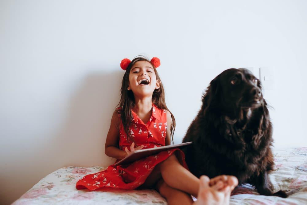Dlaczego warto, żeby dziecko miało zwierzę?